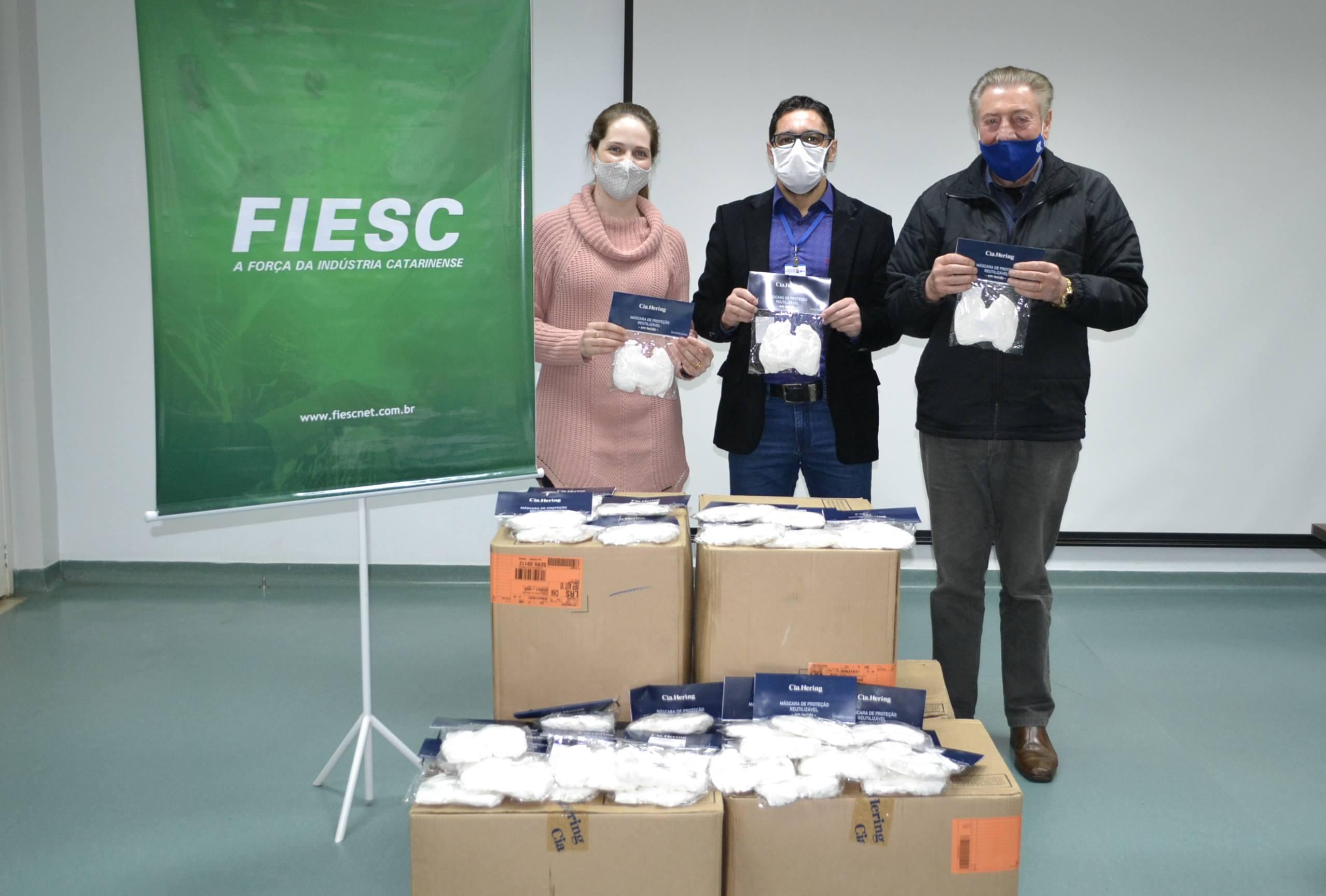 Instituto Santé recebe mais de 10 mil máscaras de uma parceria entre Fiesc e Cia. Hering