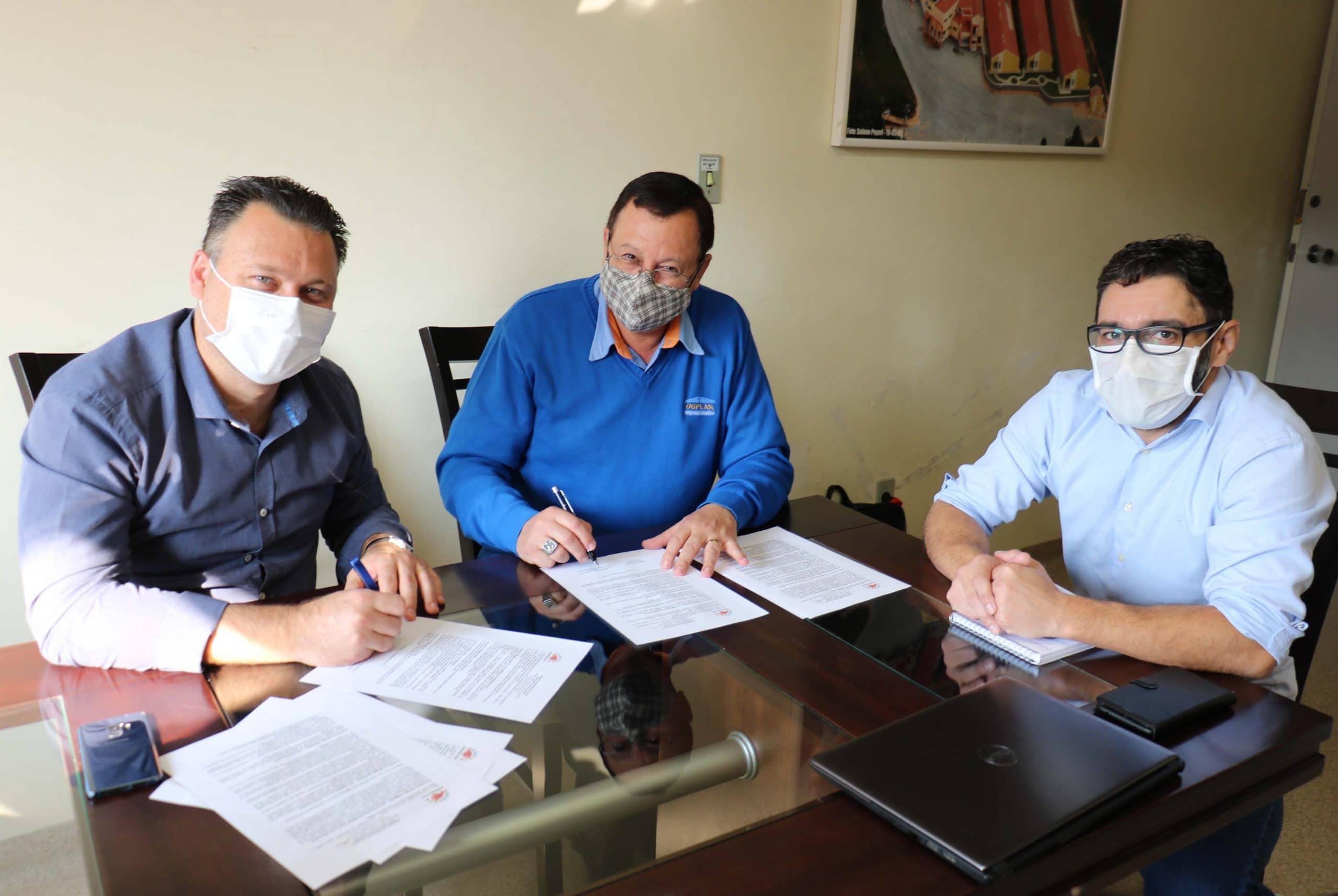 Hospital de Rio Negrinho assina contrato com o Cisnordeste